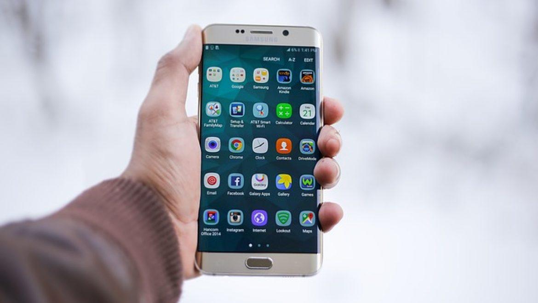בידיים טובות: החלפת מסך ואביזרים נוספים לאייפון 5